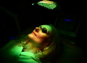 Biolight Gesichtsbehandlung